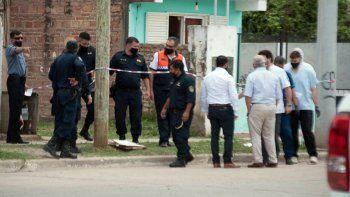 Asesinó de doce puñaladas a su hijo de 3 años mientras dormía