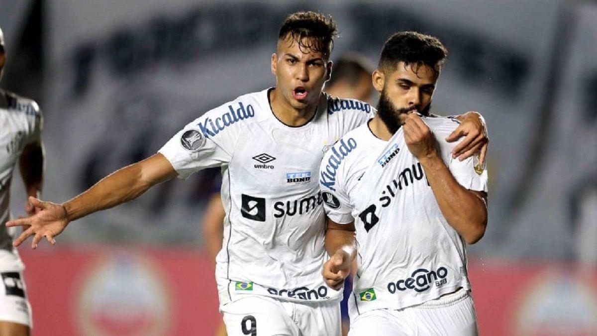 Boca perdió con Santos y quedó tercero en su grupo.