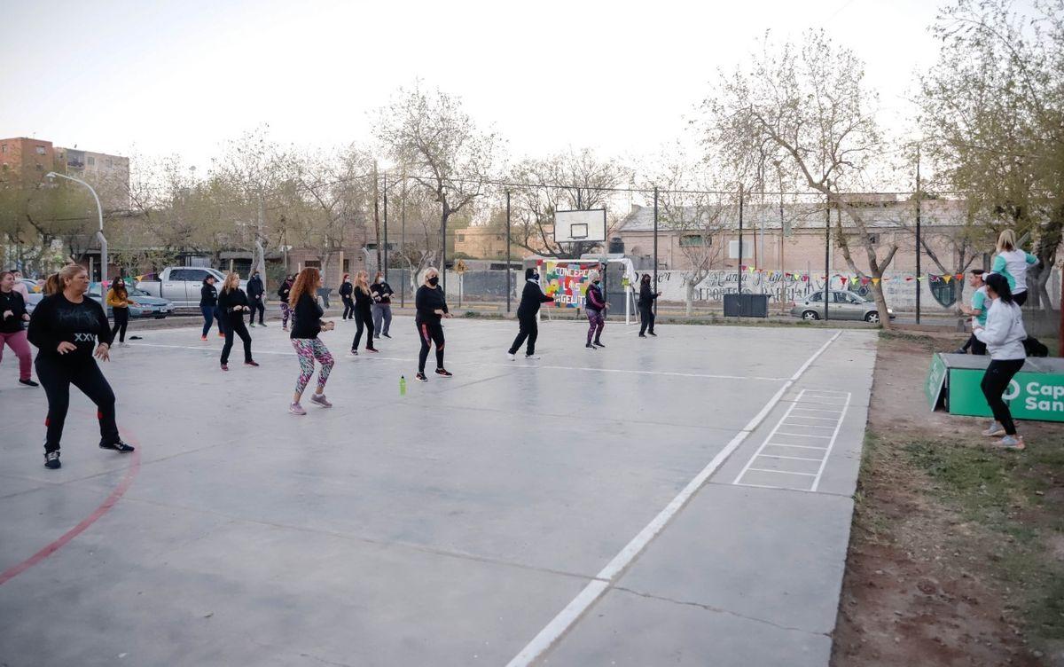 El playón del Barrio San Martín, a puro deporte recreativo