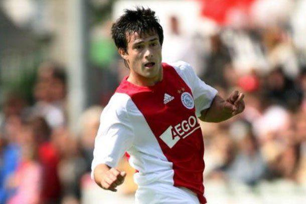 Cvitanich busca destrabar su situación en el Ajax holandés para acercarse a Boca