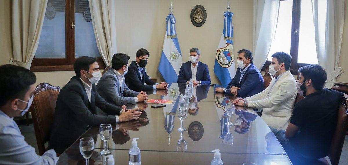 Uñac se reunió con miembros del Instituto Nacional de la Juventud
