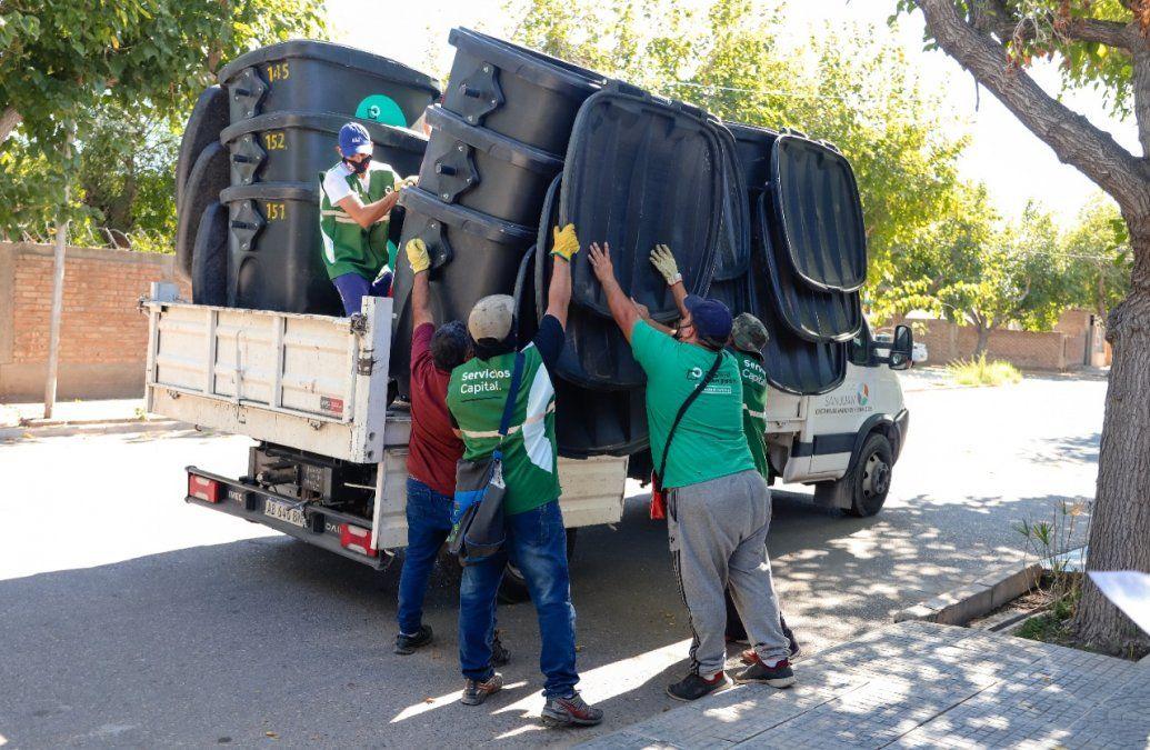 Salen a colocar contenedores en parte de Concepción