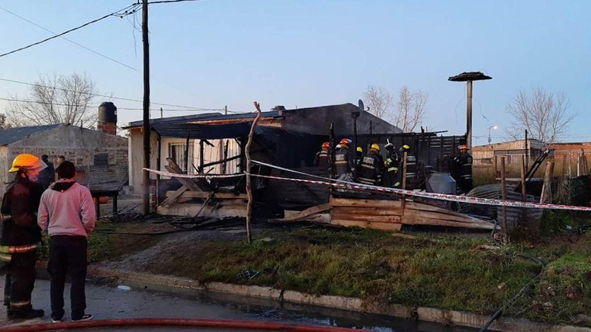 Tragedia y dolor: murieron dos mujeres y sus cinco hijos en un incendio