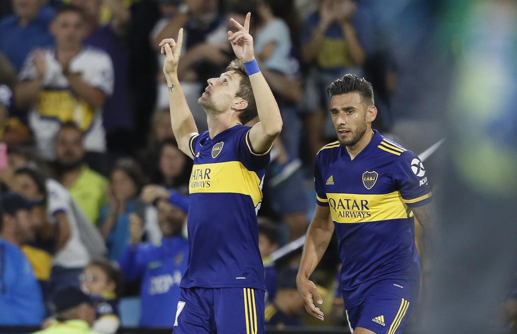 Boca le ganó a Atlético Tucumán y alcanzó a River en la Superliga