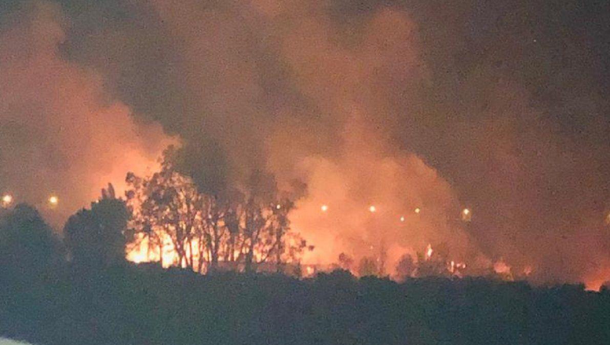 El viento Zonda provocó incendios en varios puntos de la provincia