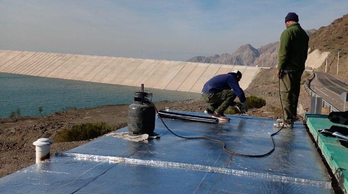Ejecutan obras en el centro operativo del dique Punta Negra