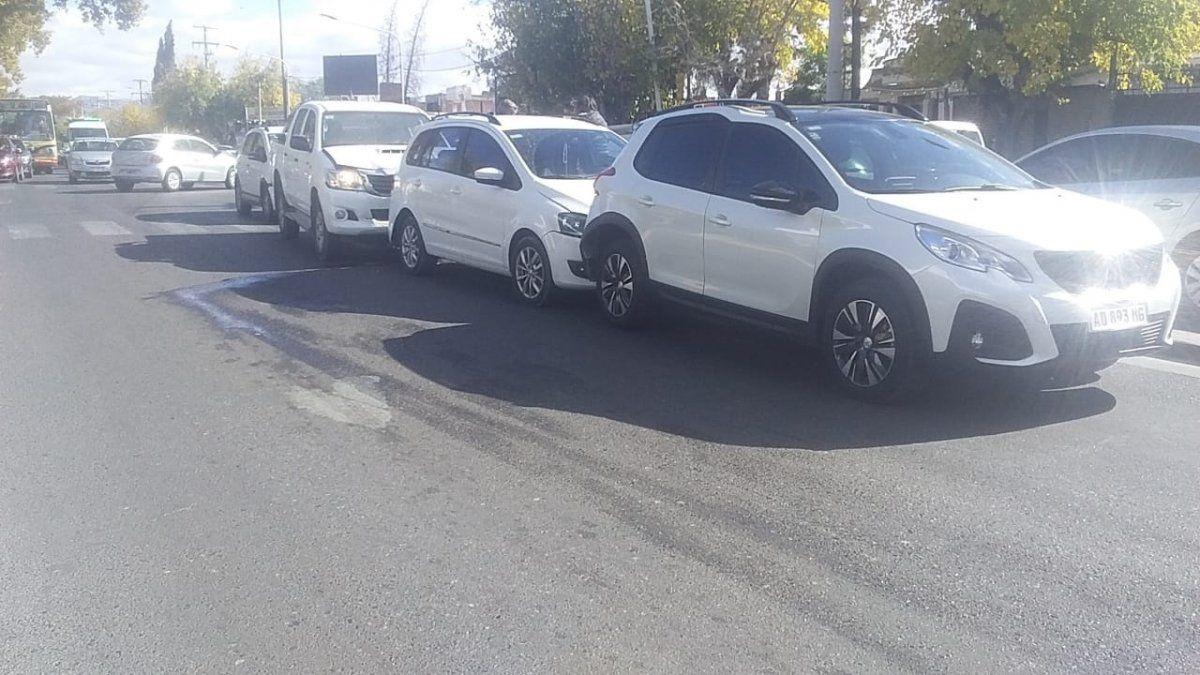Choque en cadena en Desamparados: impactaron 4 vehículos