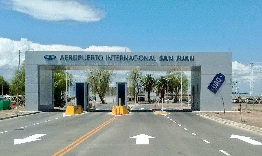 Uñac: Hemos solicitado la vuelta de los vuelos de manera paulatina