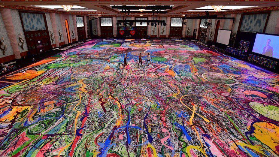 Subastaron la pintura más grande del mundo