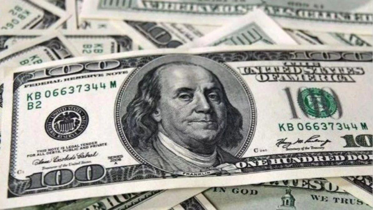 El dólar se mantiene en $98