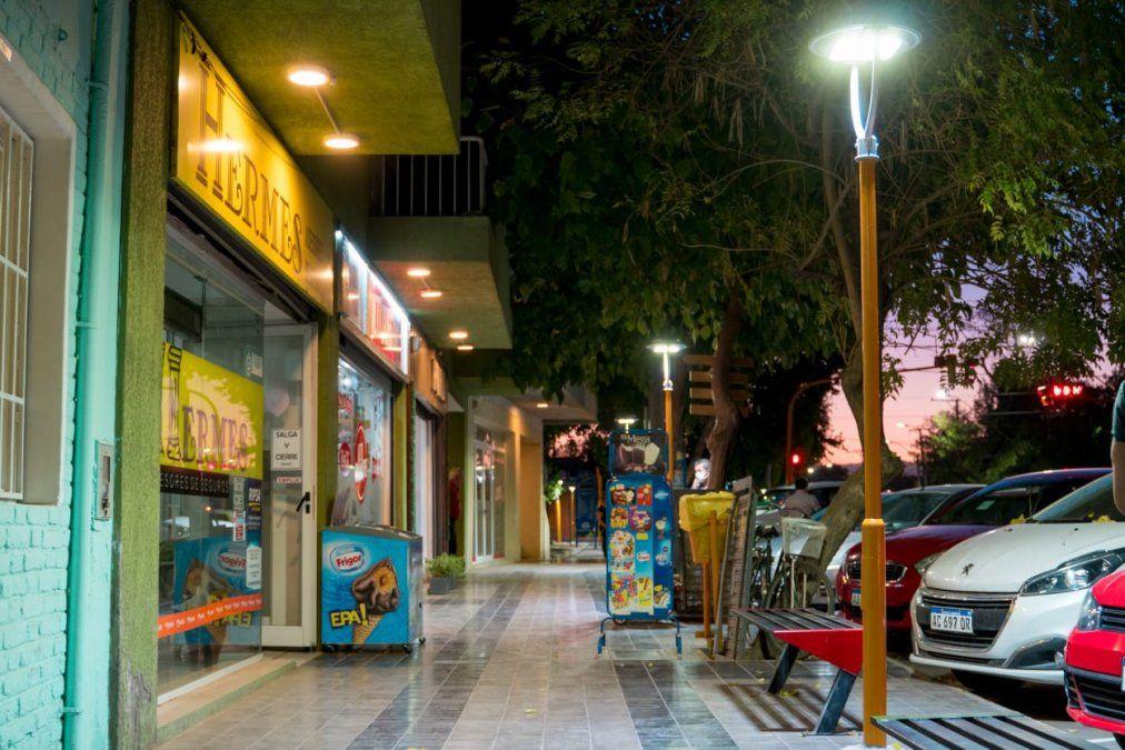 Santa Lucía inauguró un nuevo polo comercial