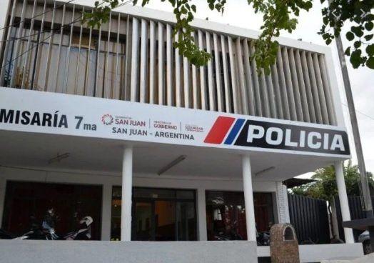 Pocito: dos jóvenes chocaron contra un árbol