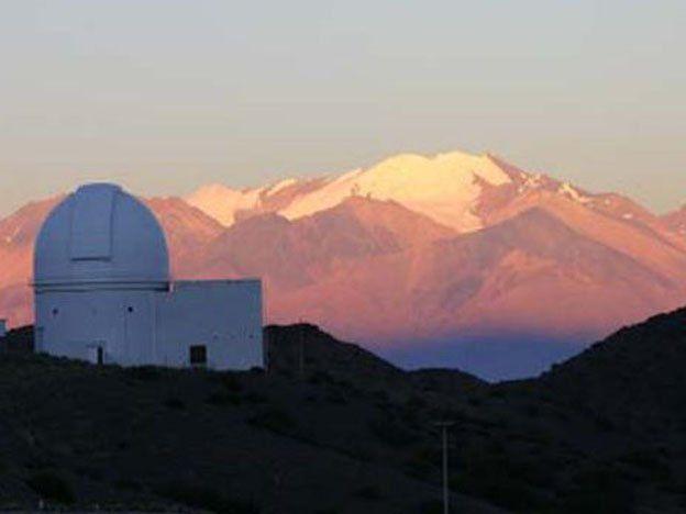 Turismo en el Leoncito: reemplazarán luminaria y comprará observatorios inflables móviles