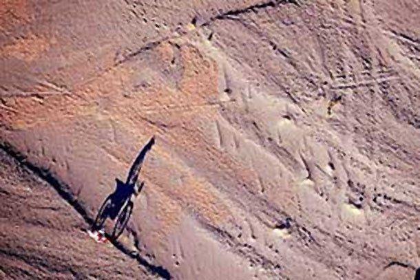 Luces y sombras, es la mejor foto del Rally Dakar 2011