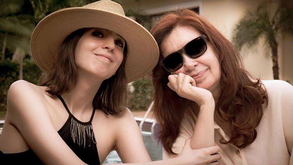 Cristina Kirchner publicó la primera foto con su hija Florencia desde Cuba