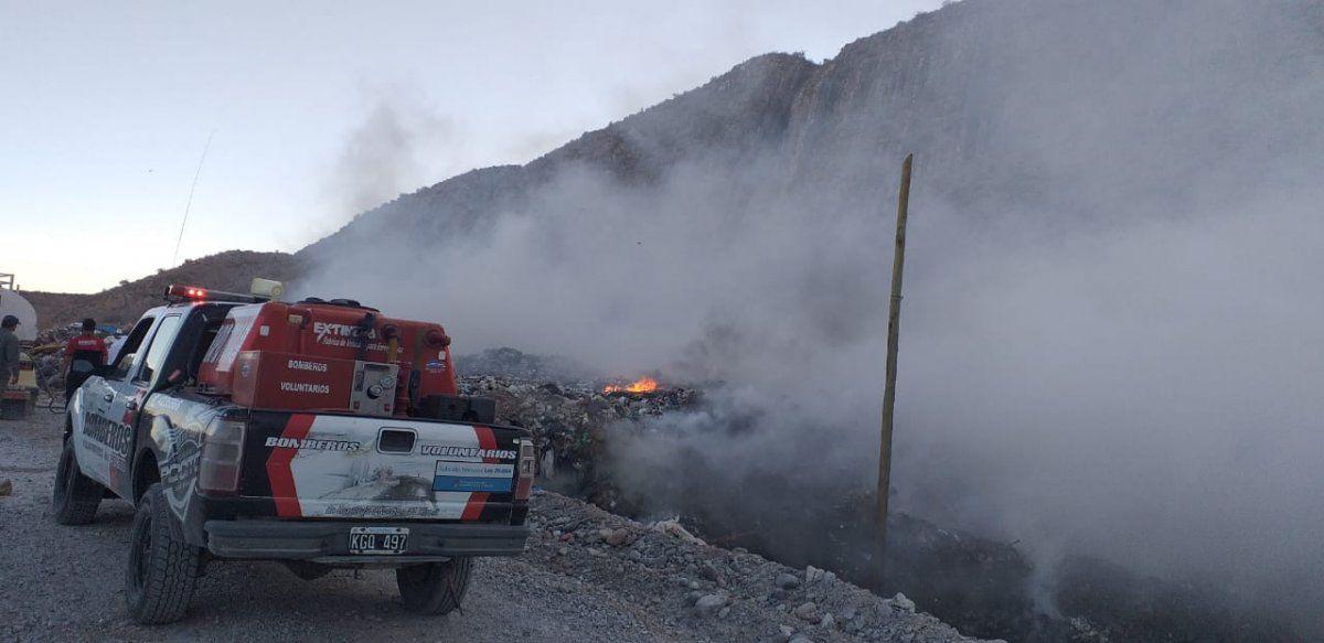 Los Bomberos Voluntarios de Pocito lograron sofocar las llamas.