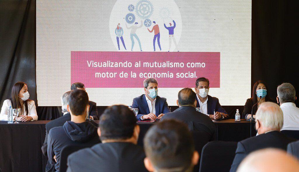El Gobernador destacó el esfuerzo colectivo de las mutuales en su día