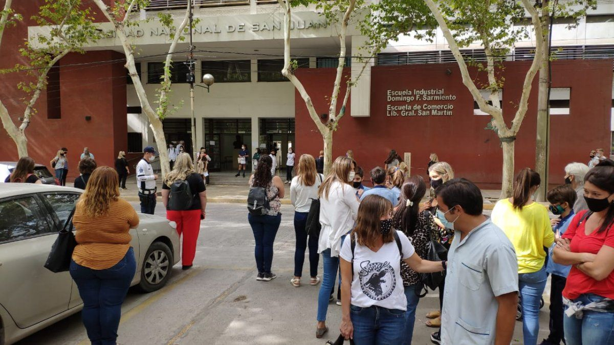 Más de mil alumnos rindieron para entrar en los colegios preuniversitarios