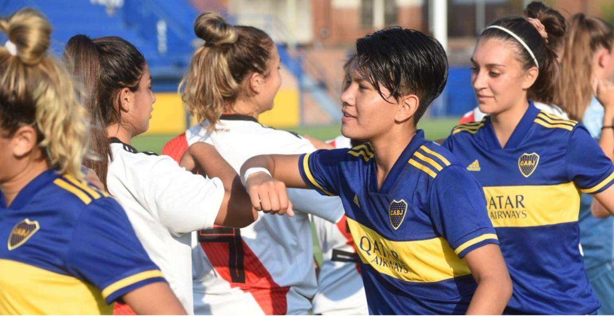 Boca y River jugarán desde las 19 en cancha de Vélez por el primer título profesional.