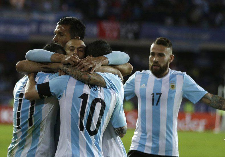 Argentina enfrenta a Uruguay y Martino pondrá en cancha a su equipo ideal