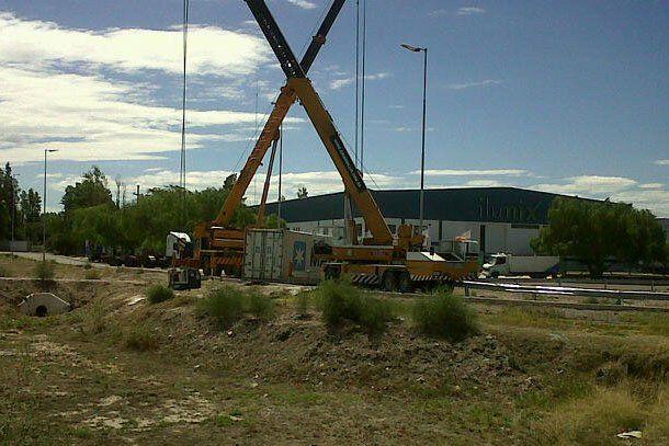 Accidente de tránsito: volcó un camión con mosto en Ruta 40