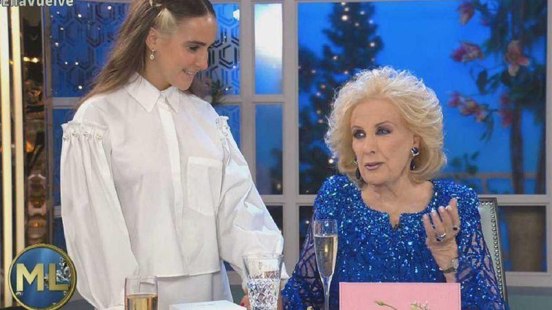 Ámbar la hija de Juana Viale se mostró en el programa de su abuela.
