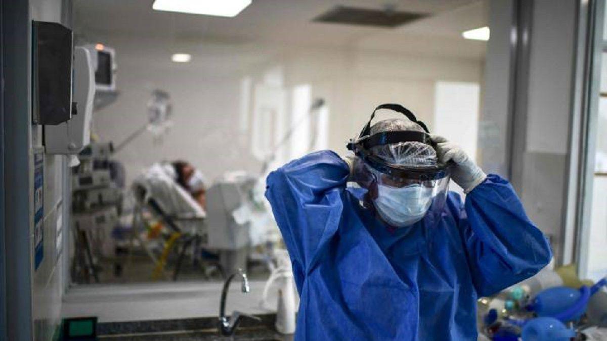 En 24 horas, murieron 241 personas y 5.058 fueron diagnosticadas con coronavirus