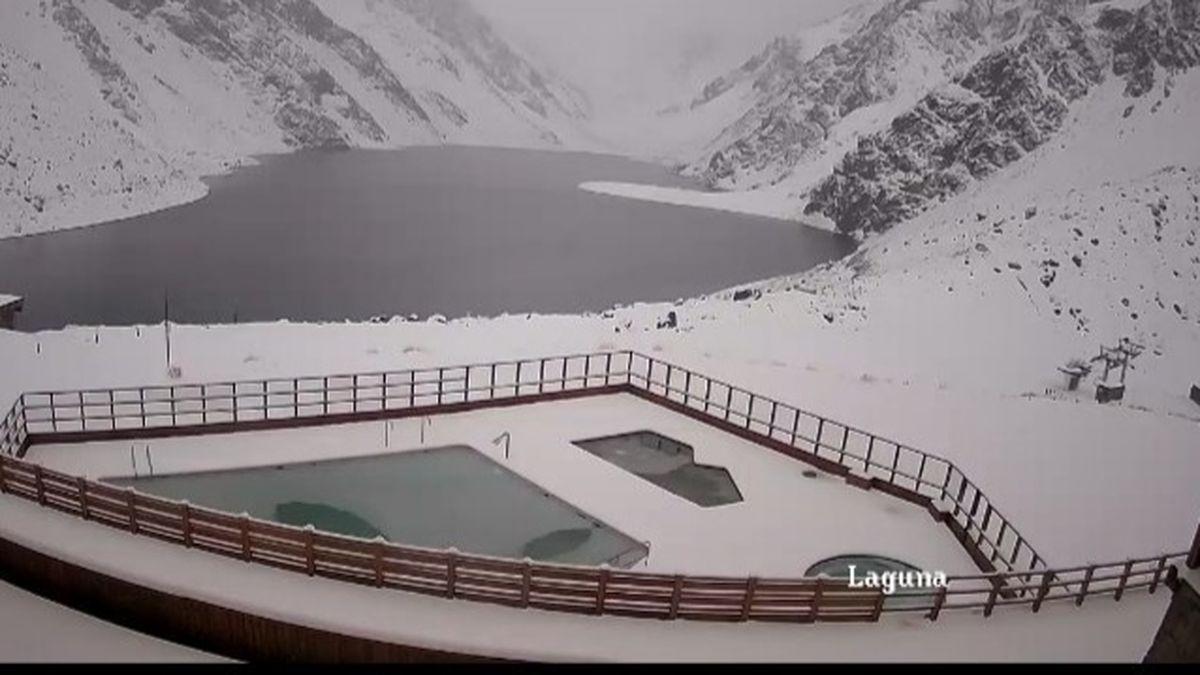 Cerraron los pasos a Chile por una tremenda nevada en la Cordillera