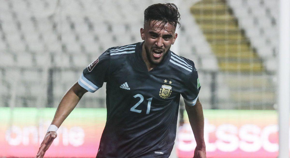 Nicolás González abrió el camino para el triunfo de Argentina ante Perú.