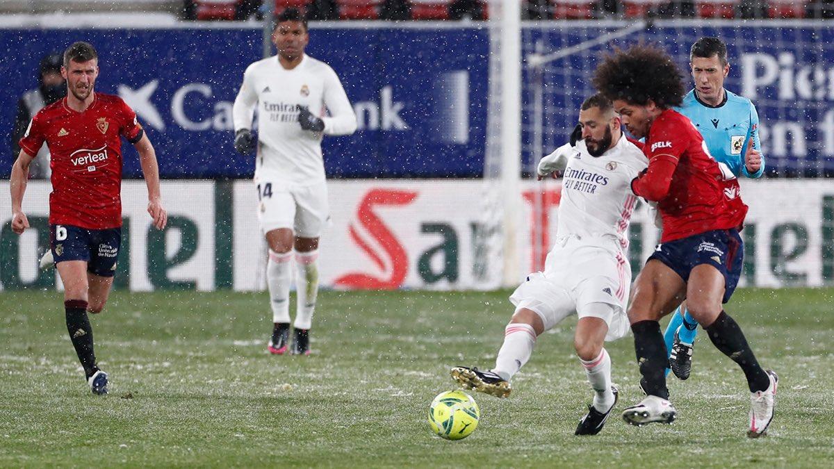 Real Madrid y Osasuna igualaron 0 a 0 en una noche de nieve en Pamplona.