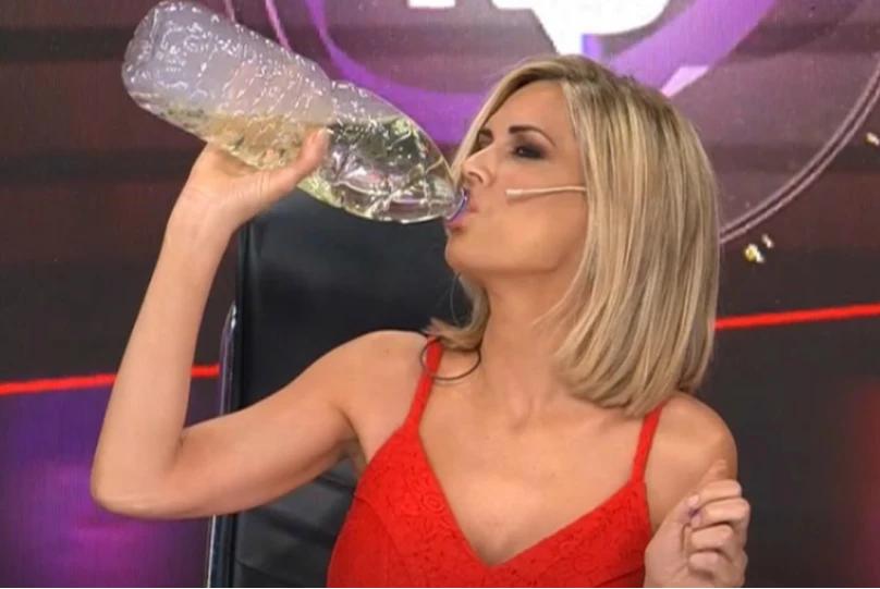 Viviana Canosa tomó dióxido de cloro en vivo en su programa