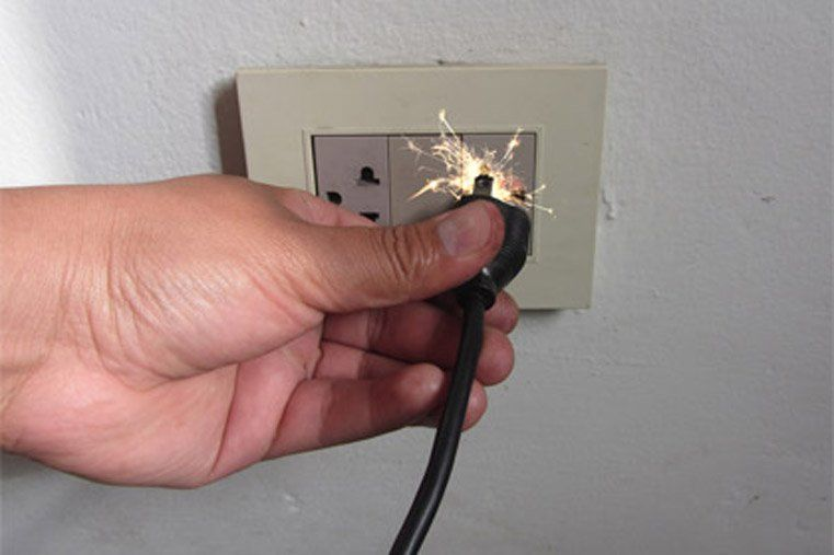 Rivadavia: Una sobre carga en el tendido eléctrico quemó varios electrodomésticos
