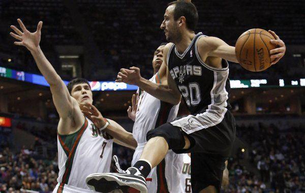 NBA: Scola brilló en los Suns y Ginóbili aportó para la victoria de los Spurs