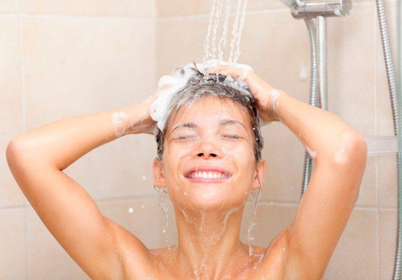 Si te duchás al levantarte, tenemos estos consejos para arrancar mejor el día