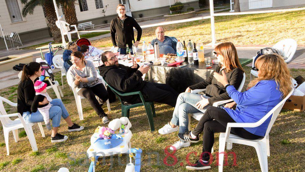 Las reuniones en los domicilios particulares se limitan a 10 personas