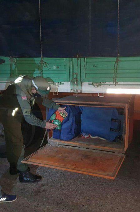 Intentan ingresar un cargamento de $160.000 en hojas de coca