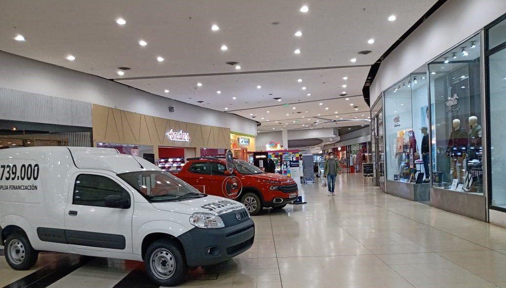 La caída de ventas en los shoppings alcanzó el 98,6% en el primer cuatrimestre