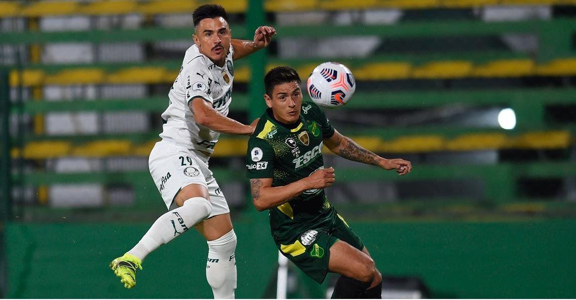 Defensa quiere hacer historia ante Palmeiras en Brasil