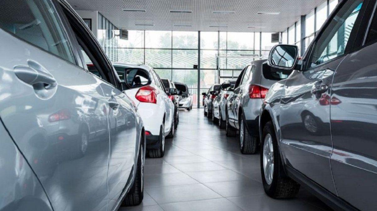 La venta de vehículos 0km se desplomó 25