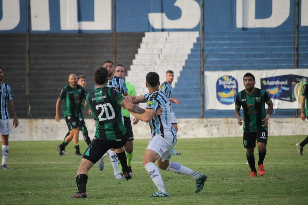 San Martín le ganó el partido a Almagro sobre la hora