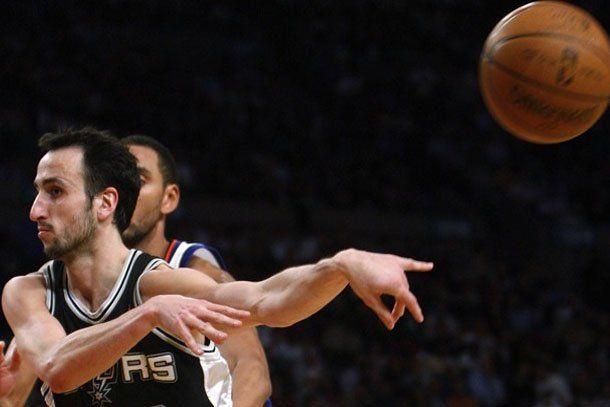 Manu Ginóbili erró el último triple y los Spurs volvieron a perder