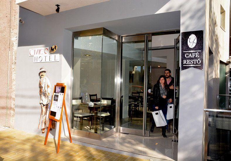 El Hotel Cívico ya recibe a sus primeros clientes