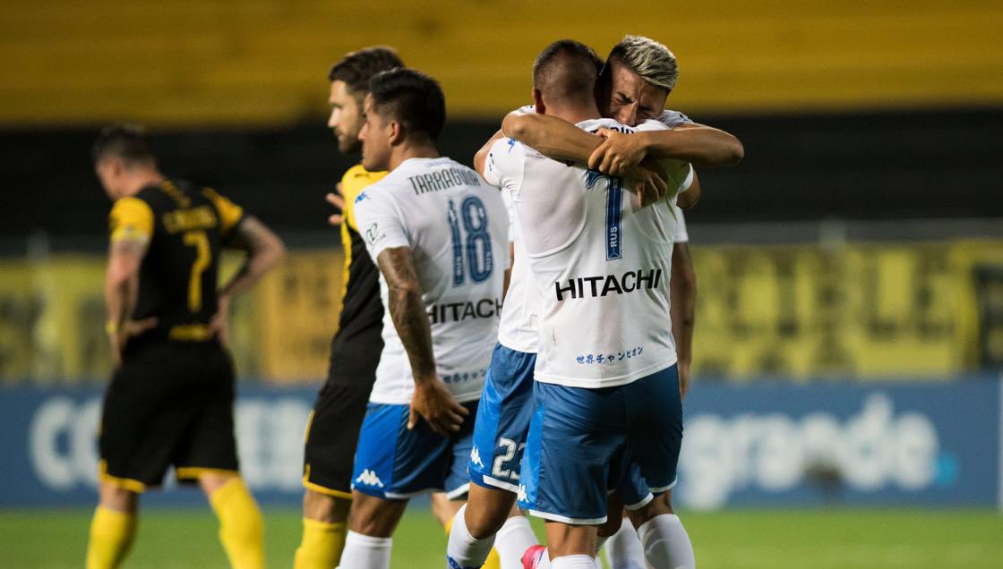 Vélez eliminó a Peñarol y también sigue en la Copa Sudamericana