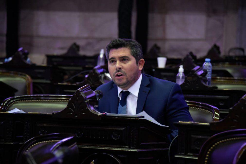 Orrego presentó un proyecto para derogar la ley del aborto