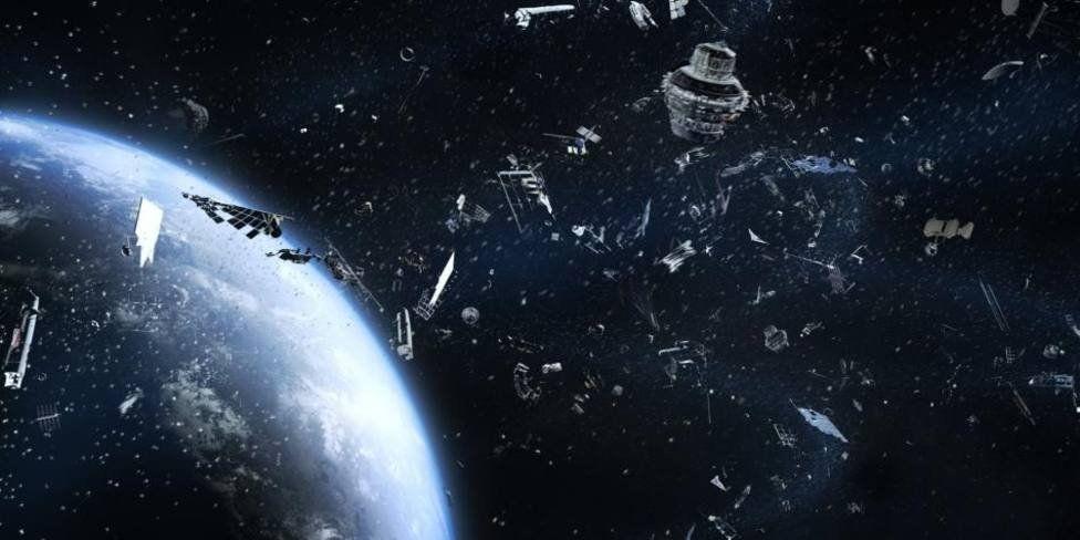 Así será la primera misión para limpiar basura espacial alrededor de la Tierra