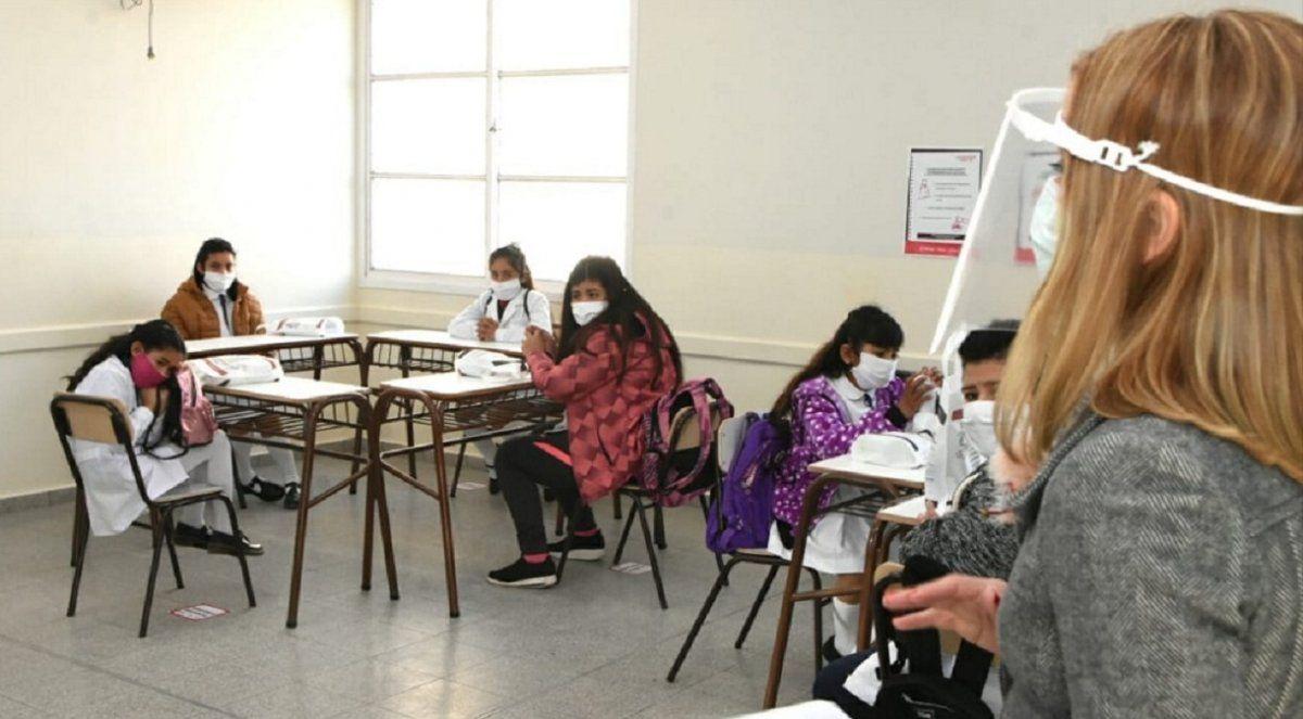 Clases presenciales, en febrero: 1.235 alumnos irán los sábados