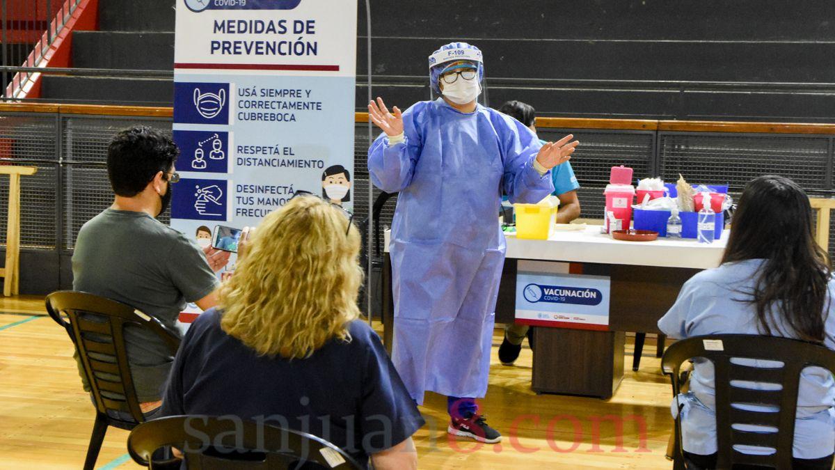 Vacunación a docentes.