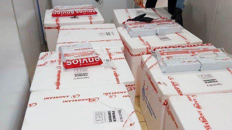 Llegaron a San Juan 6.600 dosis de la vacuna Sputnik V