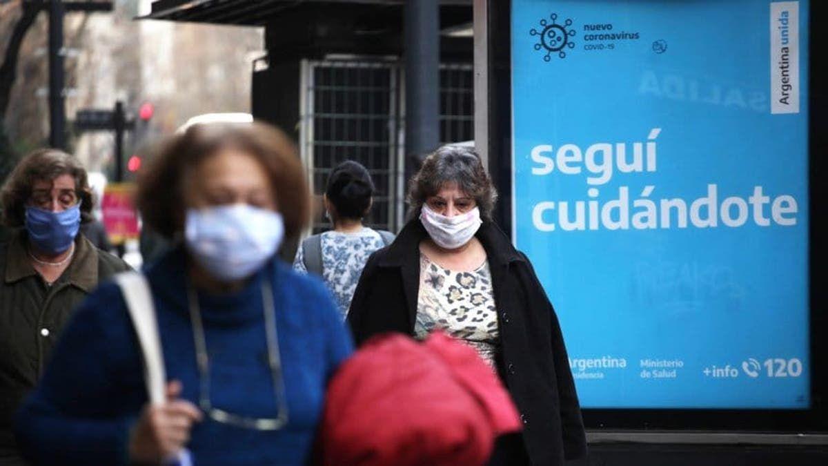 Aumentó un 86% el promedio de muertos diarios por coronavirus en una semana