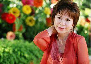 Ahora en Twitter dieron por muerta a Isabel Allende y ella salió a desmentirlo
